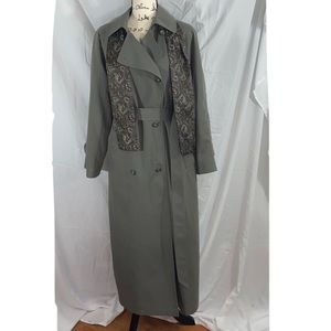 London Fog women's trench coat sz 10